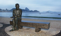 Carlos_drummond_estatua1